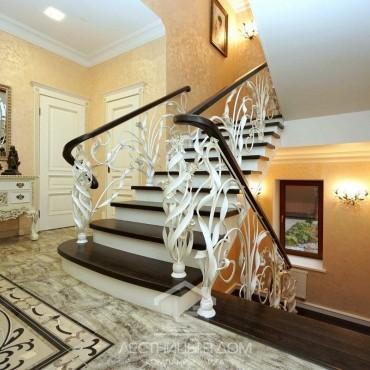 Элитная лестница с кованым ограждением, Ногинск