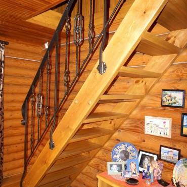 Недорогая лестница в стиле прованс г. Орехово-Зуево