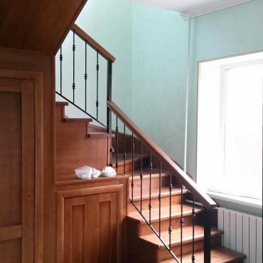 Лестница в загородном доме г. Электрогорск