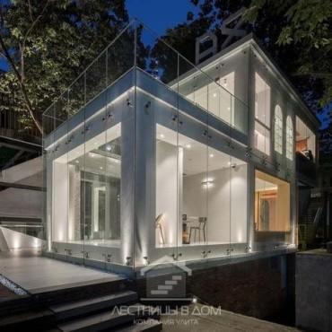 Лестница – главная достопримечательность нового дизайна X-ROOM